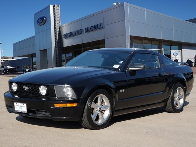 Pre-Owned 2006 Ford Mustang GT Premium